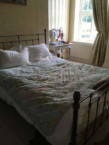Double room to rent for Cheltenham festival - Gloucestershire - Leilighet