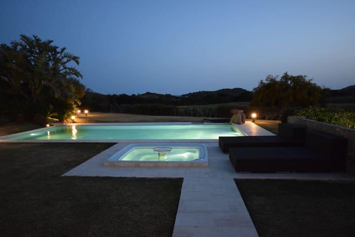 VILLA BAIRES  CHIA Exclusive villa near the beach
