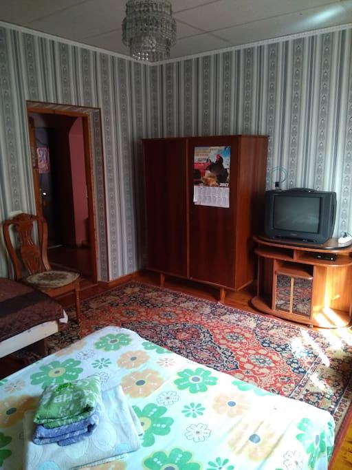 Общий вид спальни. Двухместный номер стоит 20$