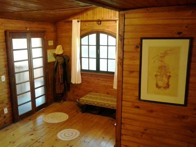 Chalé Suíço ~ Guest House 3 - São Lourenço - กระท่อมบนภูเขา