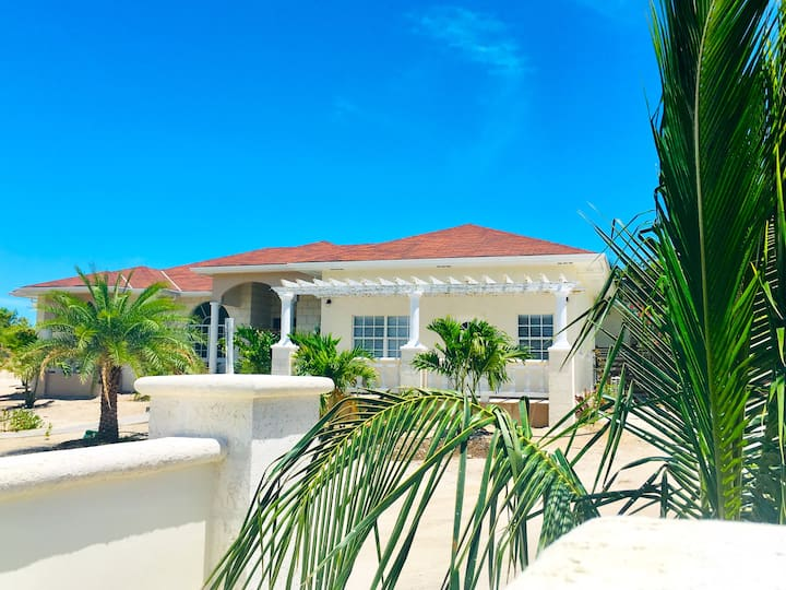 $99 SPECIAL!  APARTMENT NEAR BEACH - ADULTS ONLY