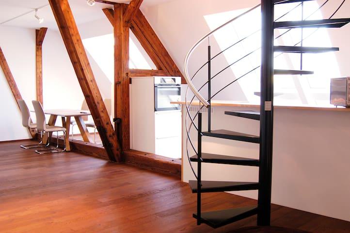 Studio Wohnung 214 m²  6 Personen