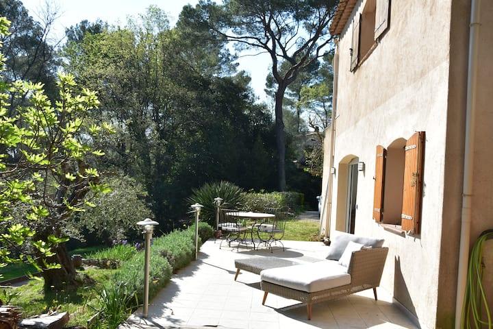 Design grd floor appart in villa Terrasse Garden