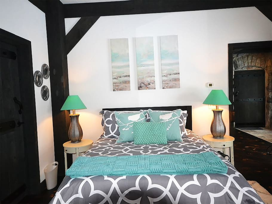 Earl Young Master Suite: 1 Queen Bed, Private Bath, Views of Lake Michigan and the Lighthouse from your bed! Access to this amazing MUSHROOM HOUSE in Charlevoix, MI
