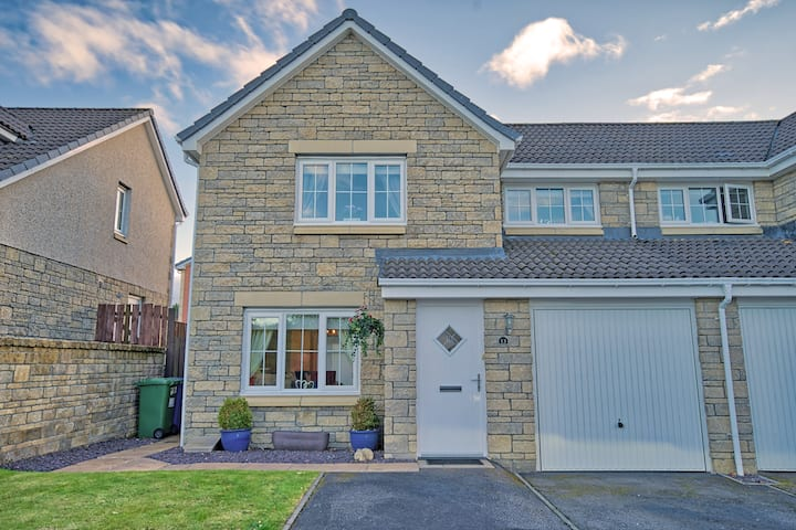 Three bedroom house in Culloden, Inverness