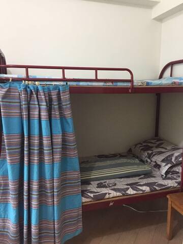 新葡京旁,高层公寓客厅双层床(1)客厅床位非独立房间 - Macau