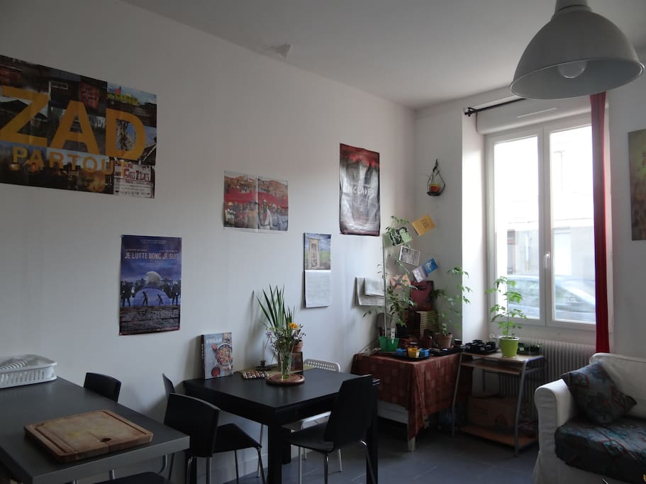Appartement lumineux quartier bastide appartements for Appartement bordeaux bastide a louer