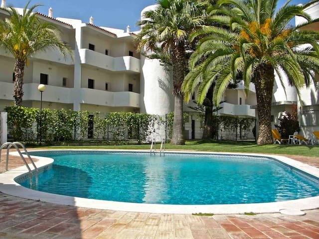 Terracos do Mar Vilamoura Sleeps 5. Wifi + Air Con