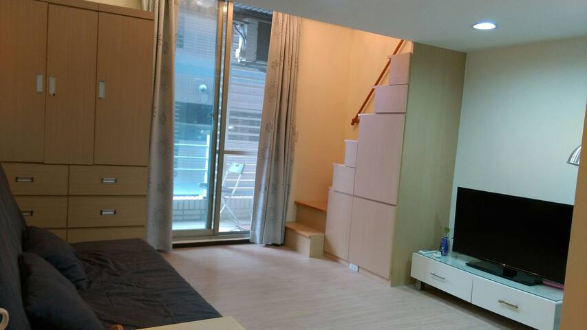 TPE MRT studio upper deck bed - Zhonghe District - Appartement