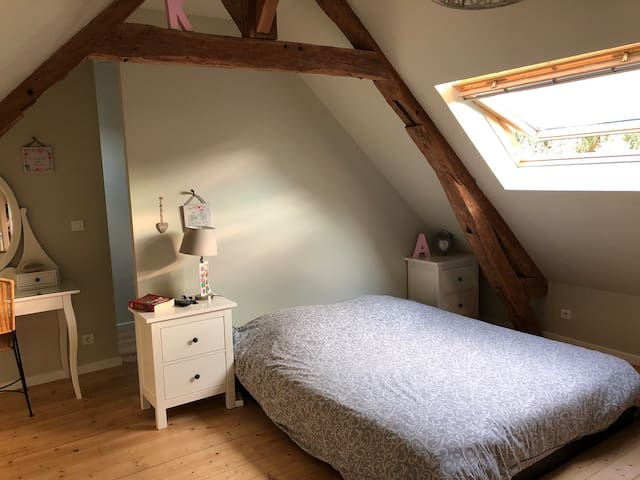 Chambre dans maison Normande village « Bovary »