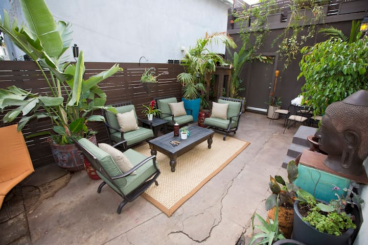 FAMOUS HOLLYWOOD AND EXCITING DOWNTOWN GETAWAY! - Los Angeles - Casa