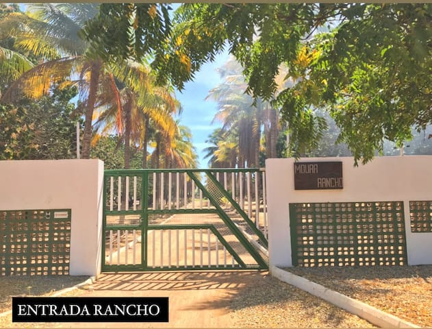 Rancho Moura - chácara com piscina e muito verde!