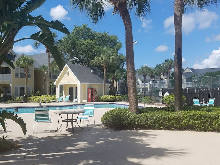 Near all Attractions- Luxury Amenities for FREE!!!