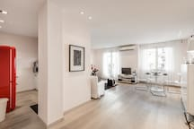 Stylish white 4 ppl apartment in City center