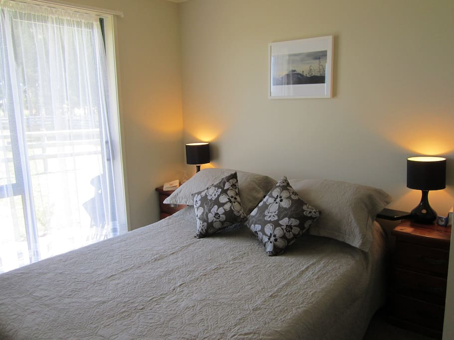 'Ngauruhoe Room' Guest Bedroom with summer quilt.