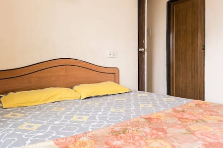 Thane-Mumbai Cozy Private Room w/Attached Bathroom - Thane - Appartement