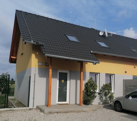 Homely & Warm House, Senec, 22km from Bratislava