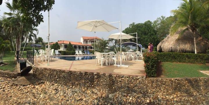 Villa Ericinda Carmen de Apicalá