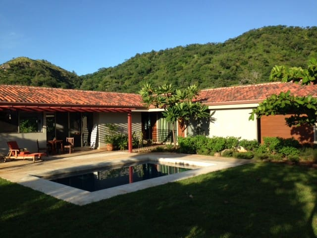 Family-Friendly Casa La Paz - Flamingo