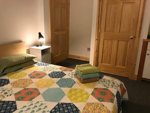 Mill Run Single #2 w/ Queen Bed