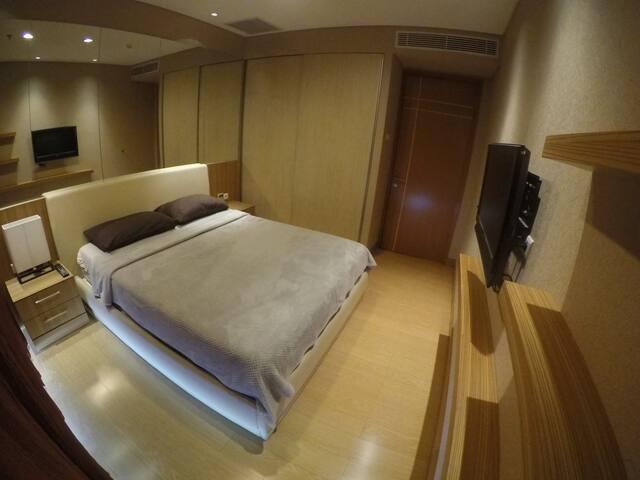 Cozy Modern Apartment Next to Mall Kelapa Gading