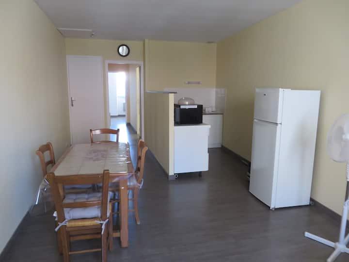 appartement 4 à 6 couchages moins de 10min du lac