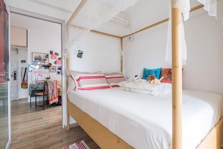 【艺术之家】福田中心区石厦地铁站时尚的画家居室   The painter's room