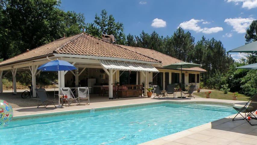 Villa Melhenga, piscine chauffée et couverte, parc - Bergerac