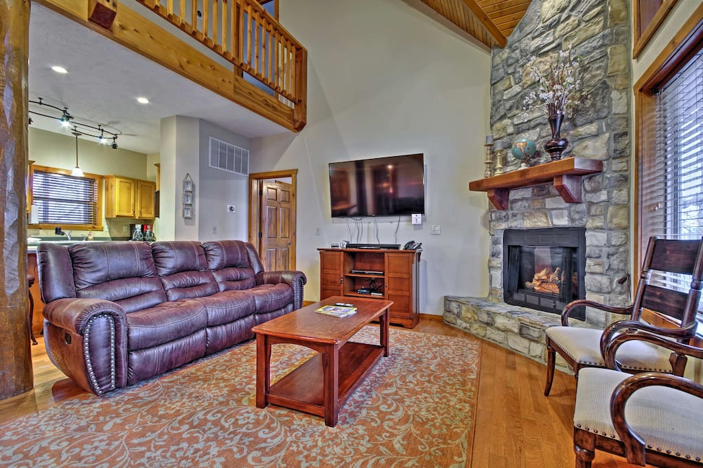 After a day at Silver Dollar City, unwind in front of the living room's 60-inch LED Smart TV.