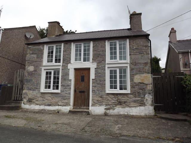 Snowdrop Stone Cottage - Talysarn - Casa
