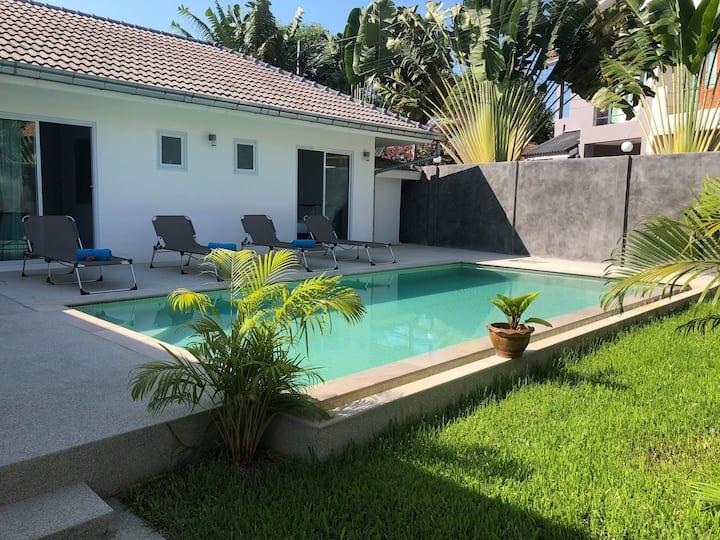 Villa Montana 2BR - Private Swimming Pool