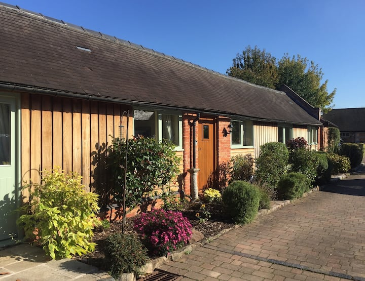 Oak Barn Tamworth