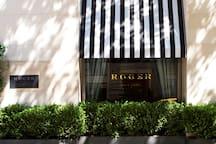 Roger New York, Deluxe Queen