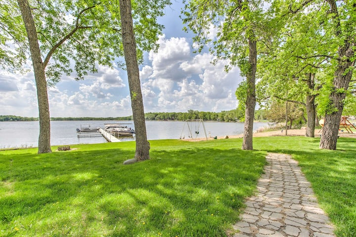 Clearwater Lake Getaway w/ Shared Pool & Boat Dock