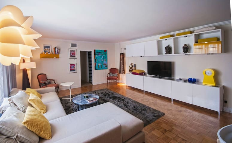 2BD/2BA Prime Location, Clean, Walkable, Modern