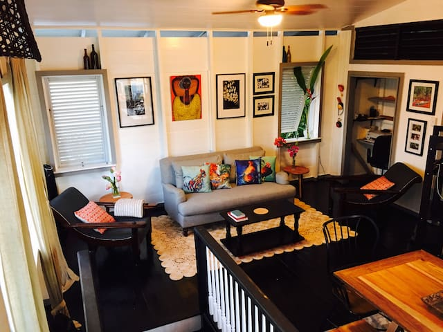 Central Georgetown: Spacious Two Bedroom Home