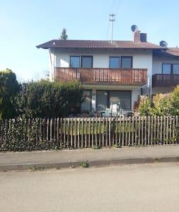 Sunny southfacing apartment in Pähl - Pähl - Daire