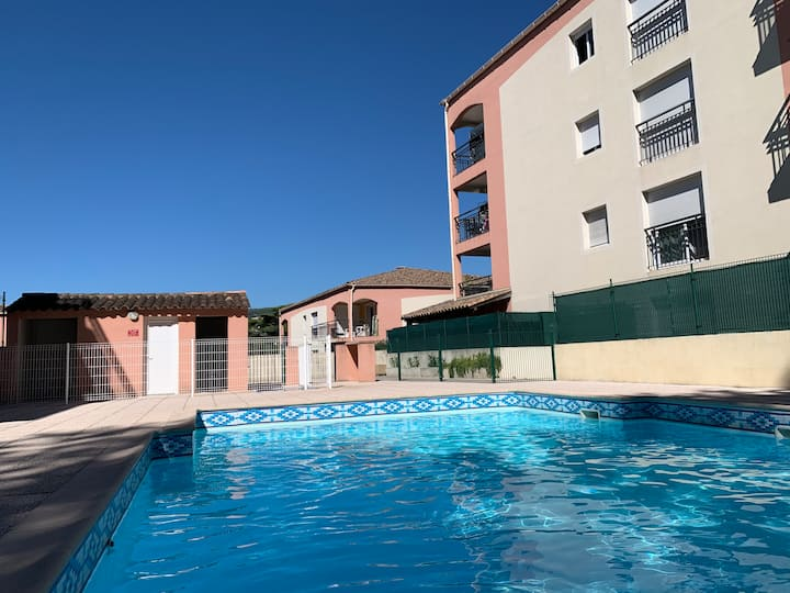 2 pieces piscine, climatisation, parking, caméras