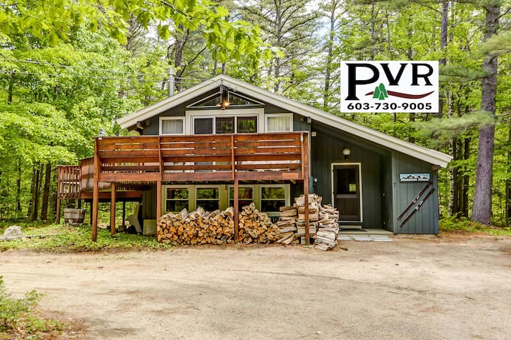 2BR Near Cathedral Ledge-Walk to Echo Lake!AC,Cable,WiFi,Large Deck w/ Grill - 7 Merrimeeting Chalet