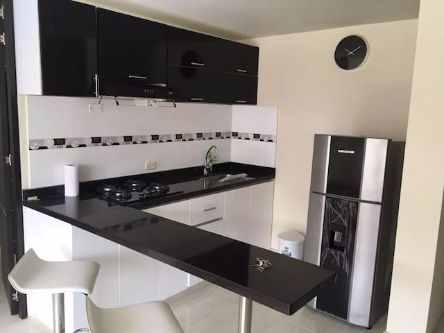 LINDO APARTAMENTO ( RICAURTE CUNDINAMARCA) - Girardot - Apto. en complejo residencial