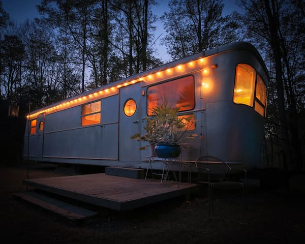 Vintage '55 Spartan Royal Manor with Stunning View