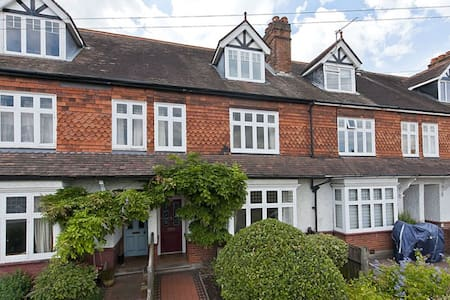 Beautiful Period Property close to River Thames - Weybridge - Hus
