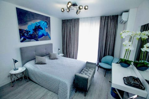 New Top Designer Apartments, Monaco Border+Parking