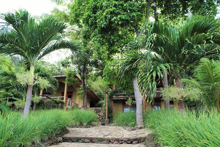 Laguna de Apoyo Eco-Hotel for Family or Group Rent