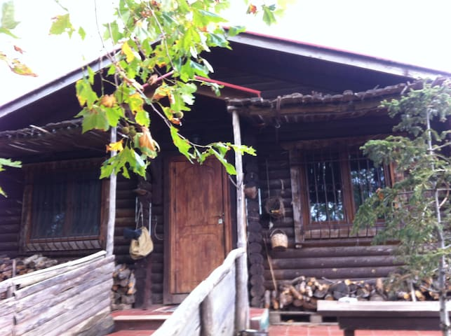 Log home very close to Thessaloniki - Thessaloniki