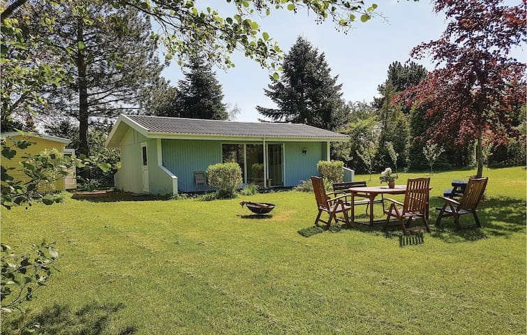 Holiday cottage with 2 bedrooms on 90m² in Skibby