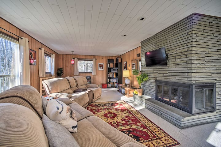 NEW! Cozy Gore Mtn Cabin w/ Fire Pit & Game Room