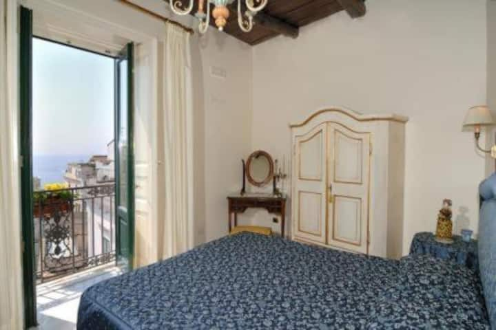 Elegant room in the Amalfi city center