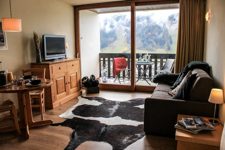 Bright Morzine Studio with Pool & Amazing Views