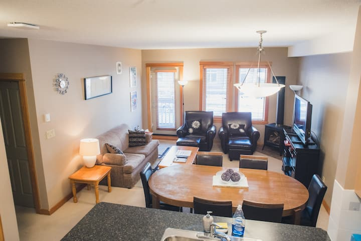 Canmore 2BR/2BA Family Friendly Resort Condo